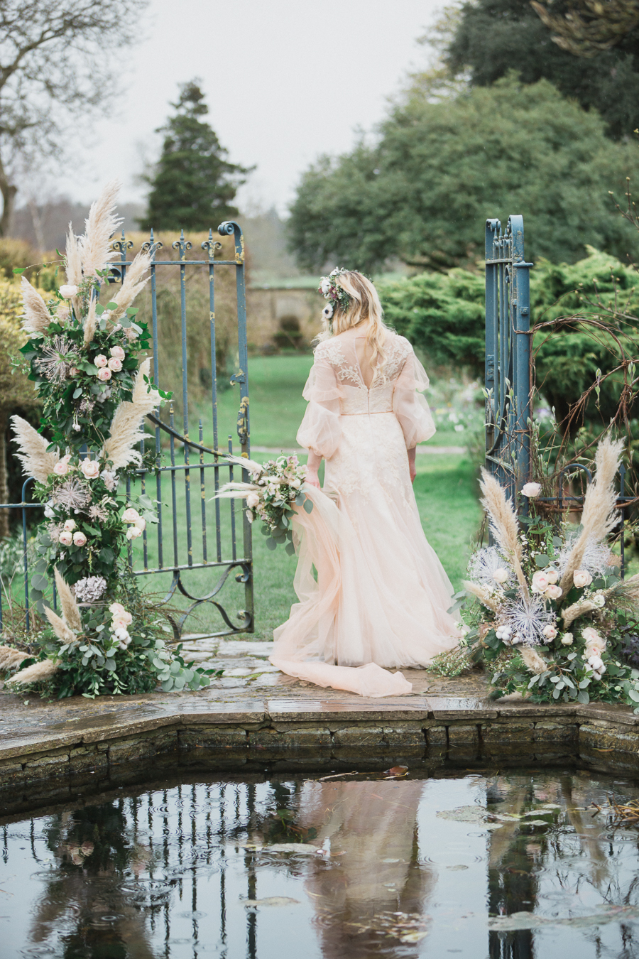 Candyfloss romance from the secret garden at Barnsley House, image credit Red Maple Photography (19)