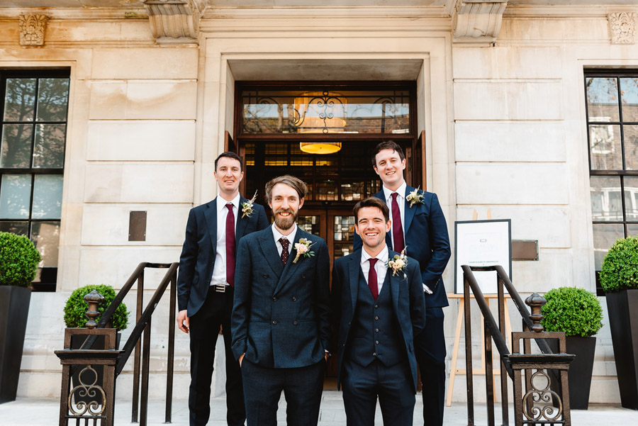 Group photos made easy, wedding photography tips for brides and grooms with Fiona Kelly Photography (17)