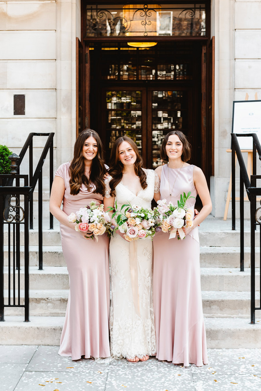 Group photos made easy, wedding photography tips for brides and grooms with Fiona Kelly Photography (18)