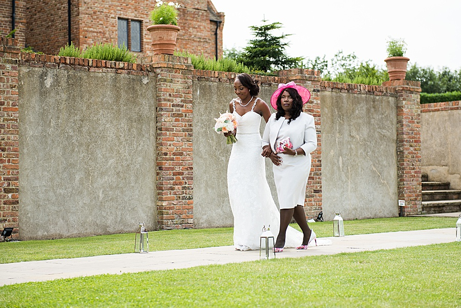 Sheila & Paul's wonderfully chic and elegant Ely wedding, with Fiona Kelly Photography (13)