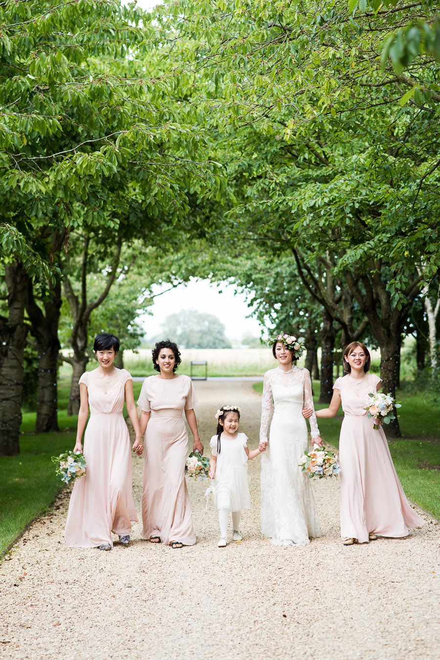 Group photos made easy, wedding photography tips for brides and grooms with Fiona Kelly Photography (21)