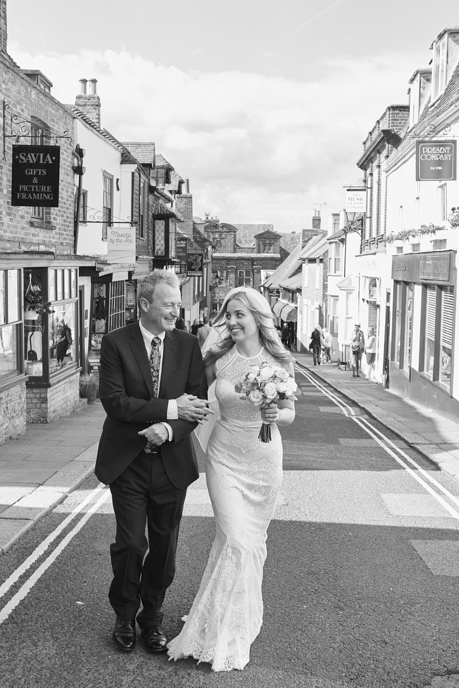 Sarah & Sansui's classic and timeless wedding in Rye, with Morris Mully Photography (14)