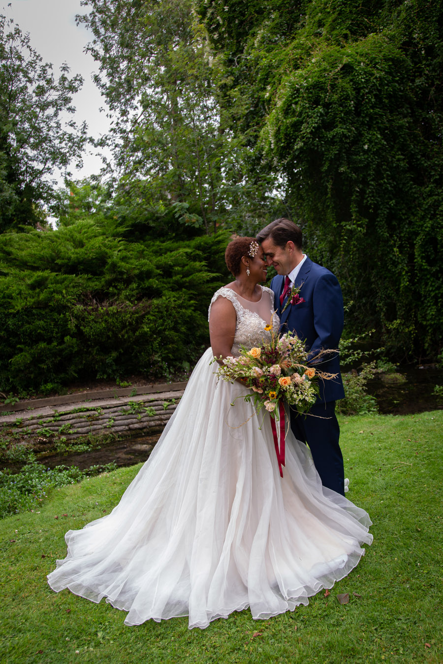A Magical Wedding World with a Cascade of Colours from Passionate Reds through to the Palest Pinks, with Barefoot Photography (13)