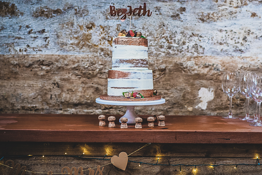 Beth and Jez's insanely beautiful, creative & DIY wedding, with Damien Vickers Photography (29)
