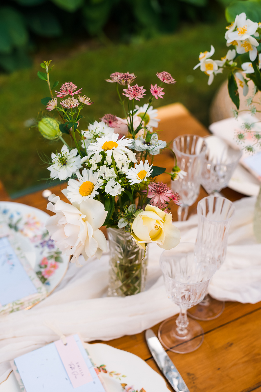 Summer vintage wedding styling inspiration, with Lauren Beth Photography (15)