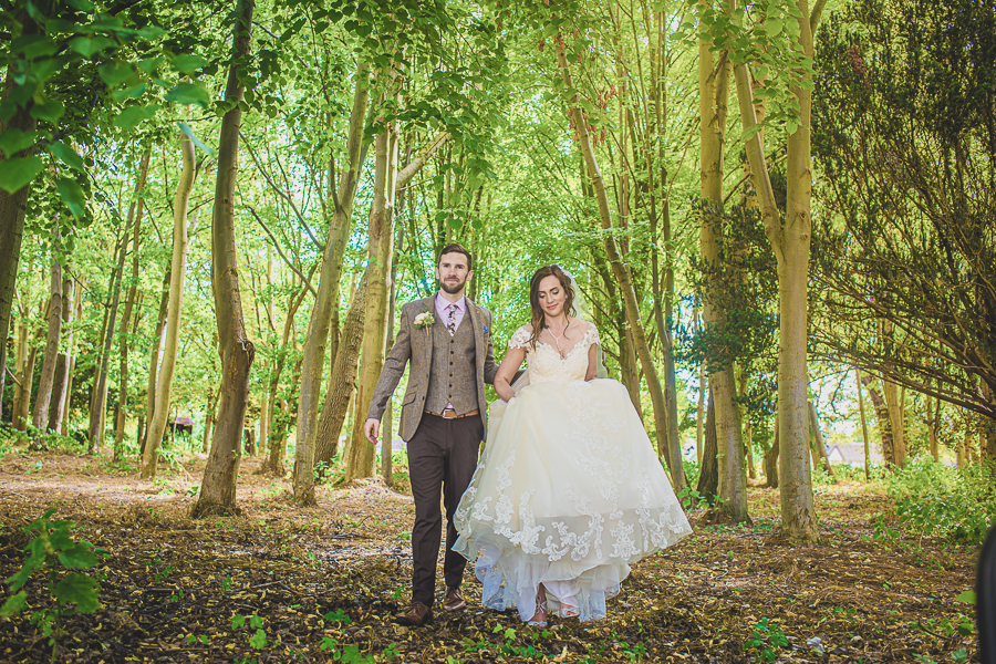 Sophie & Craig's creative and DIY wedding at Barrington Hall, with Damien Vickers Photography (24)