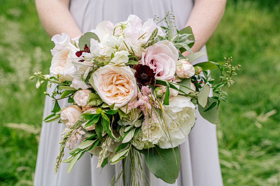 Gorgeous seasonal bouquets for small and intimate 2020 weddings (20)