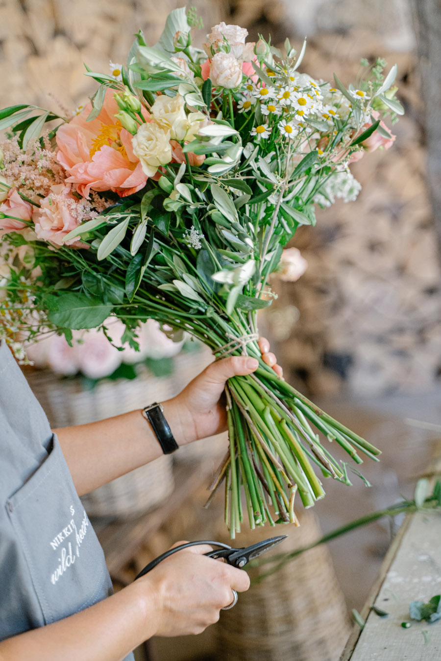Gorgeous seasonal bouquets for small and intimate 2020 weddings (21)