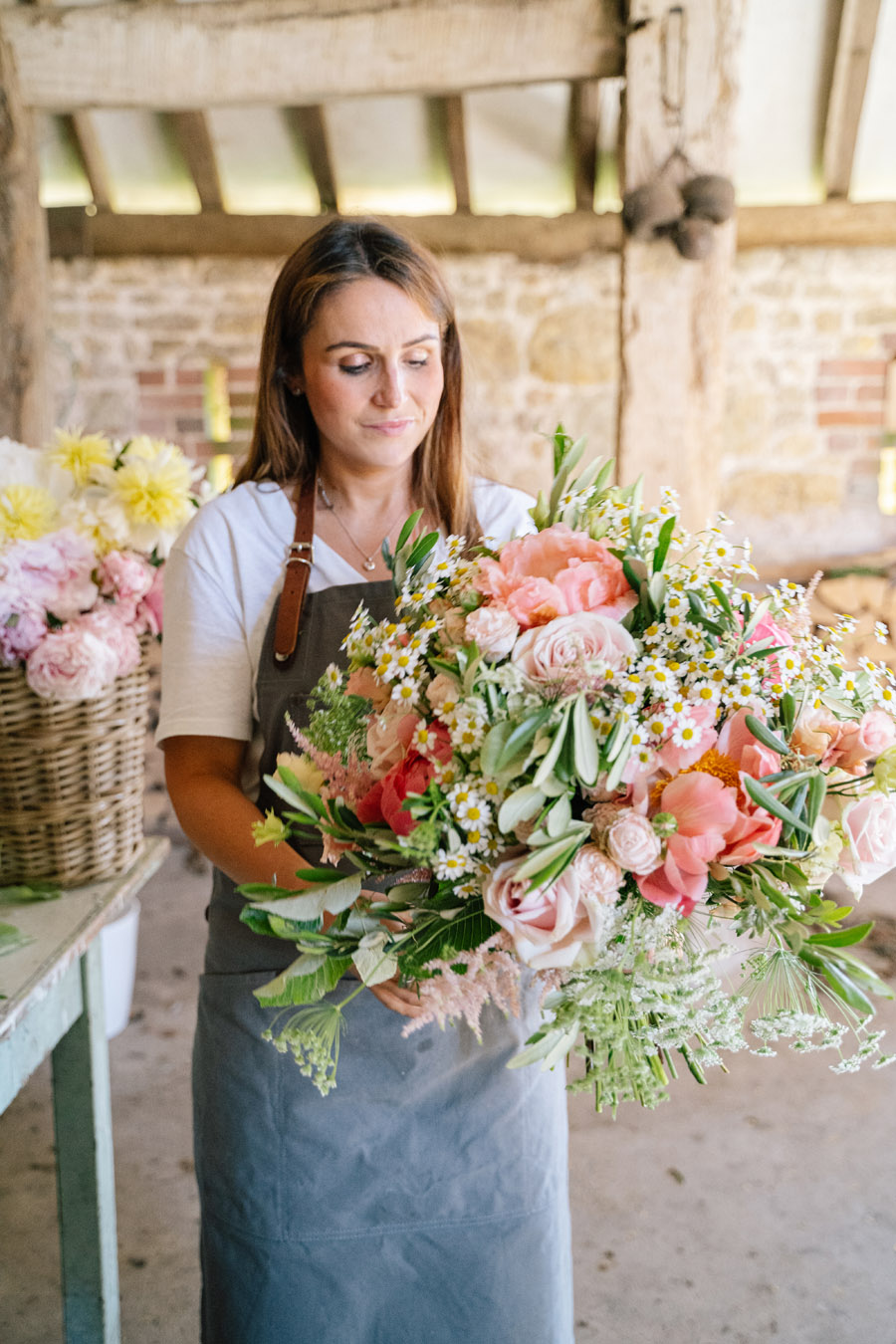 Gorgeous seasonal bouquets for small and intimate 2020 weddings (28)