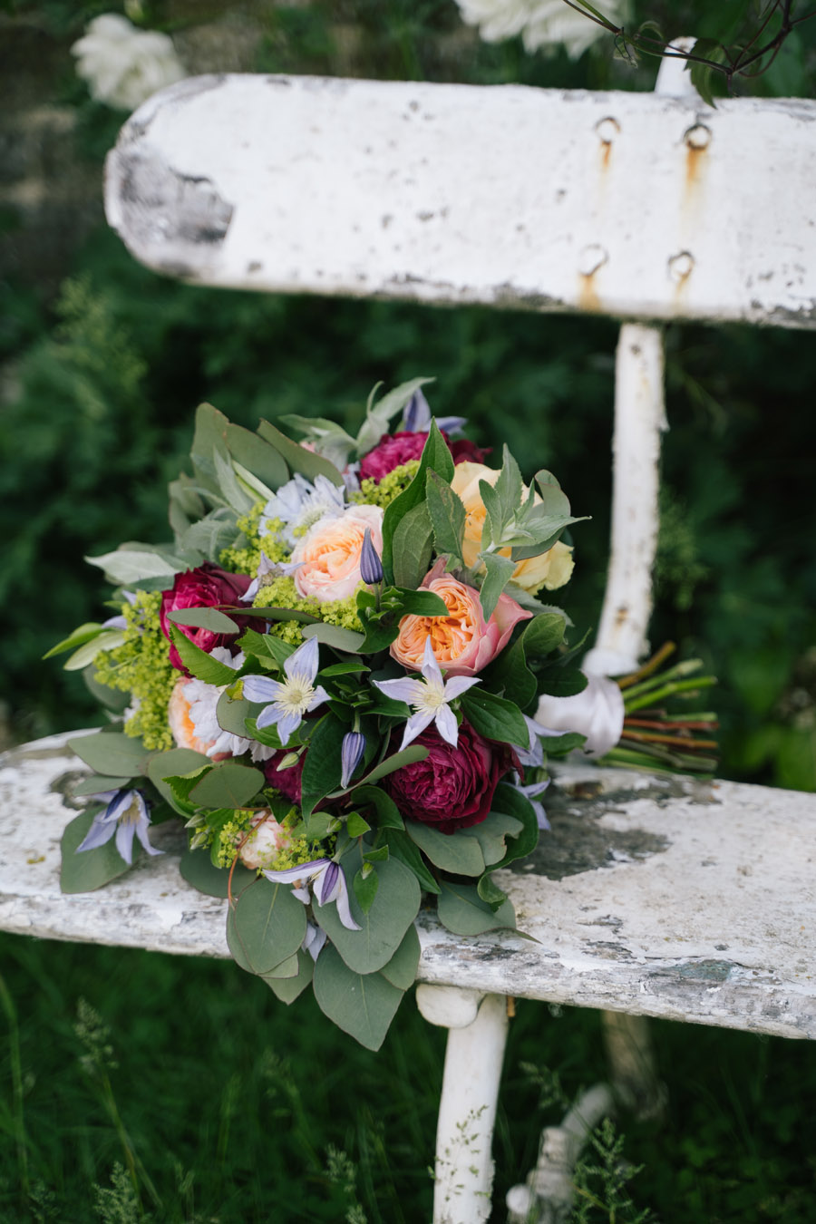Gorgeous seasonal bouquets for small and intimate 2020 weddings (32)