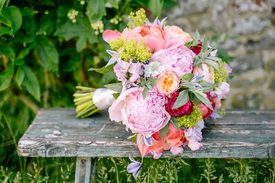 Gorgeous seasonal bouquets for small and intimate 2020 weddings (5)