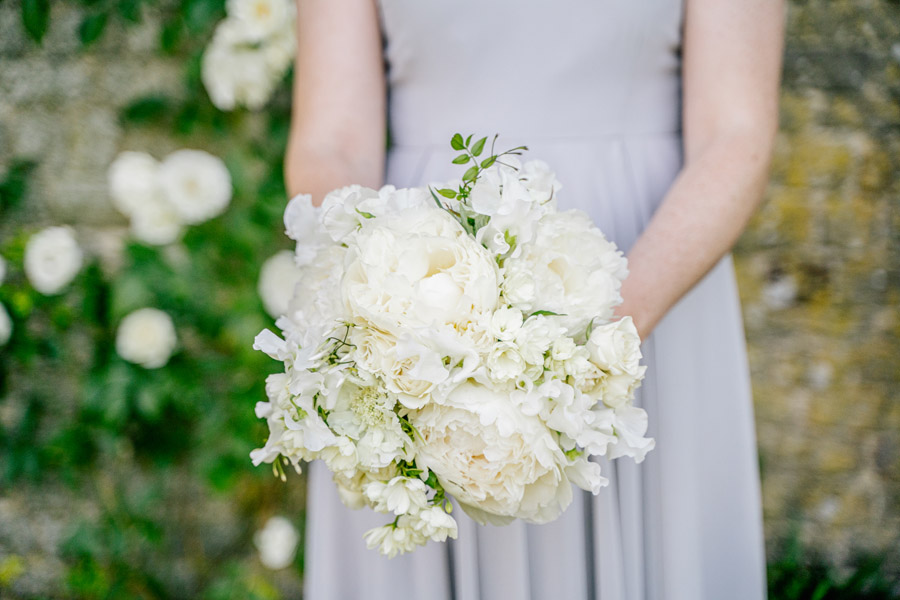 Gorgeous seasonal bouquets for small and intimate 2020 weddings (10)