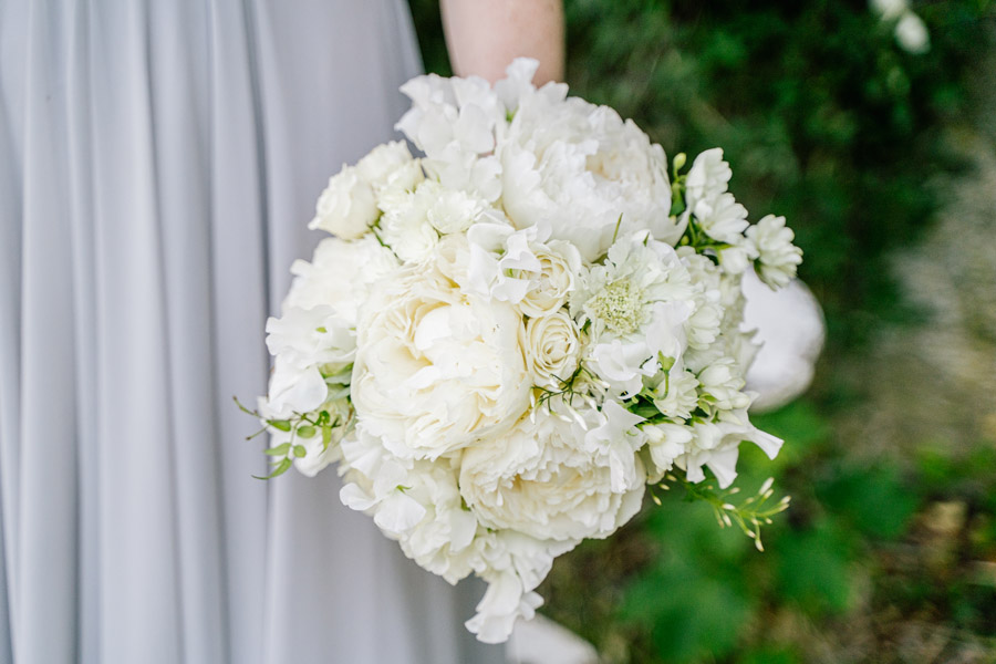 Gorgeous seasonal bouquets for small and intimate 2020 weddings (11)