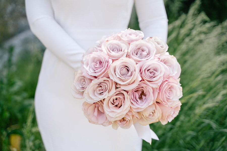 Gorgeous seasonal bouquets for small and intimate 2020 weddings (3)