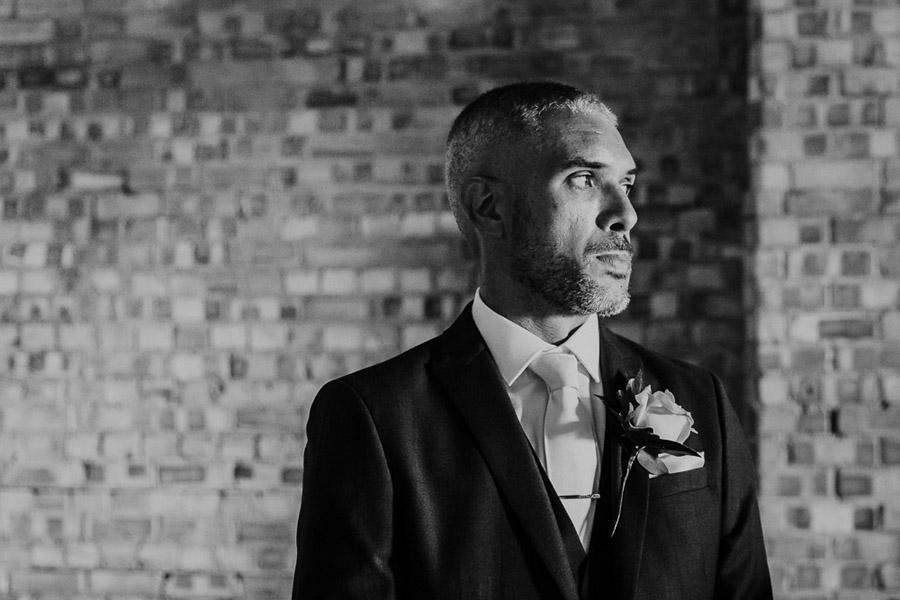 Hannah & Joel's elegant rustic Cornish wedding, with Alexa Poppe Wedding Photography (16)