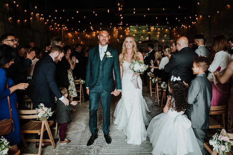 Hannah & Joel's elegant rustic Cornish wedding, with Alexa Poppe Wedding Photography (21)
