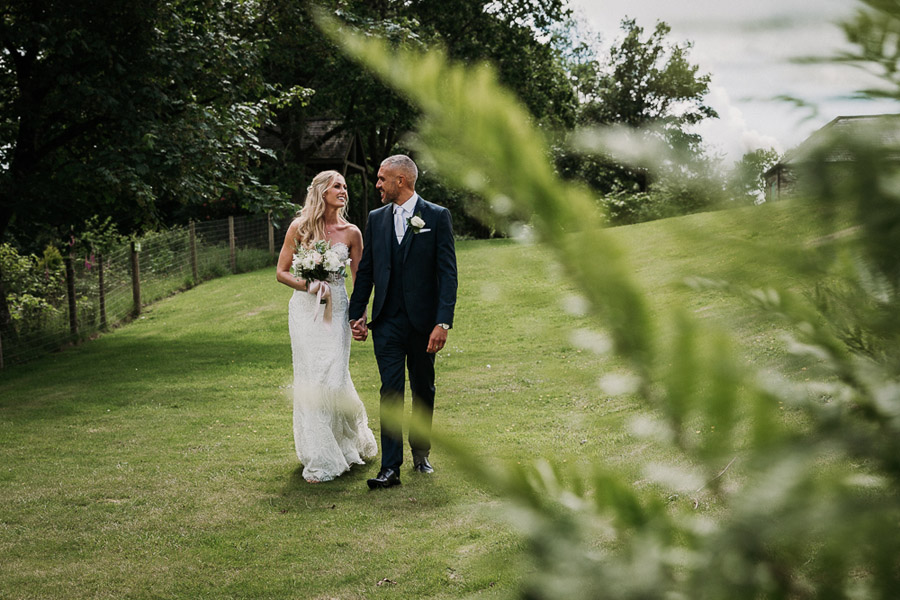 Hannah & Joel's elegant rustic Cornish wedding, with Alexa Poppe Wedding Photography (26)
