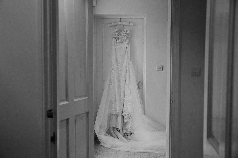 Hannah & Joel's elegant rustic Cornish wedding, with Alexa Poppe Wedding Photography (3)