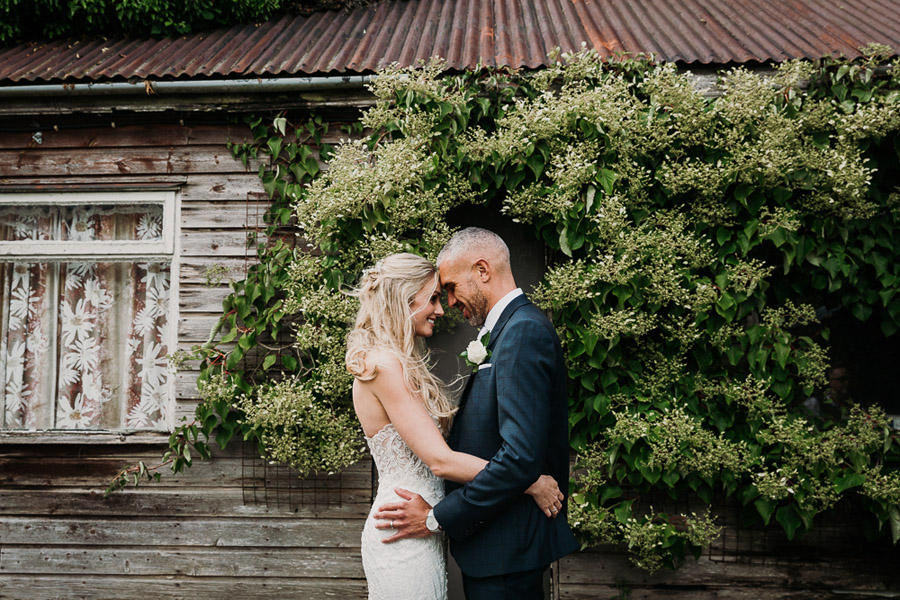 Hannah & Joel's elegant rustic Cornish wedding, with Alexa Poppe Wedding Photography (34)