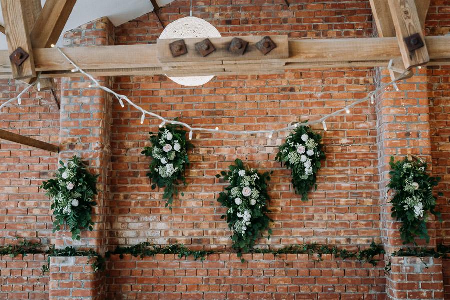 Hannah & Joel's elegant rustic Cornish wedding, with Alexa Poppe Wedding Photography (42)