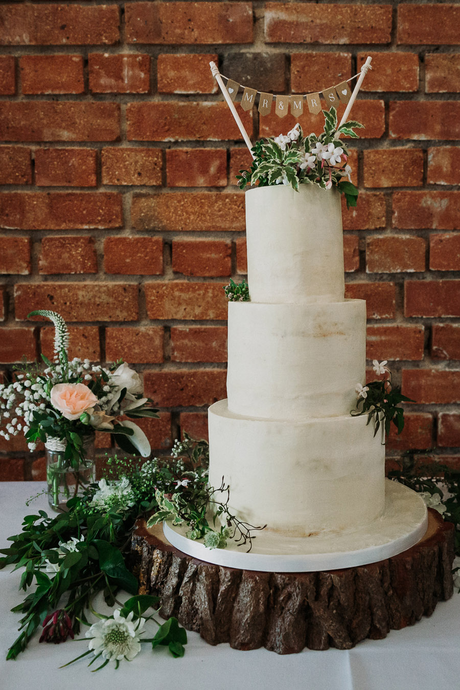 Hannah & Joel's elegant rustic Cornish wedding, with Alexa Poppe Wedding Photography (43)