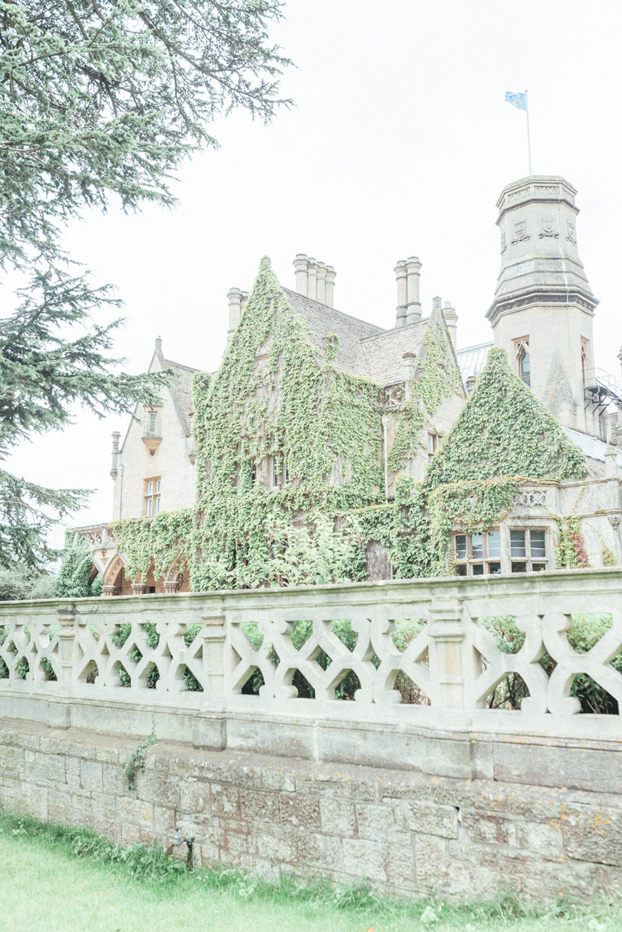 French Manor Styled Wedding Shoot in delicate blues, with Hannah McClune Photography on English Wedding Blog (12)