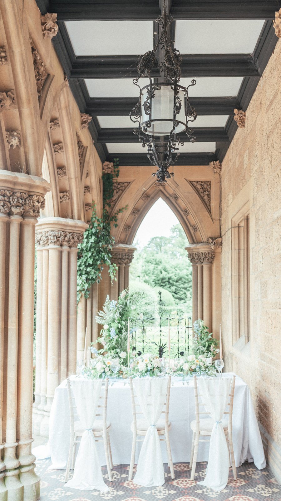 French Manor Styled Wedding Shoot in delicate blues, with Hannah McClune Photography on English Wedding Blog (2)