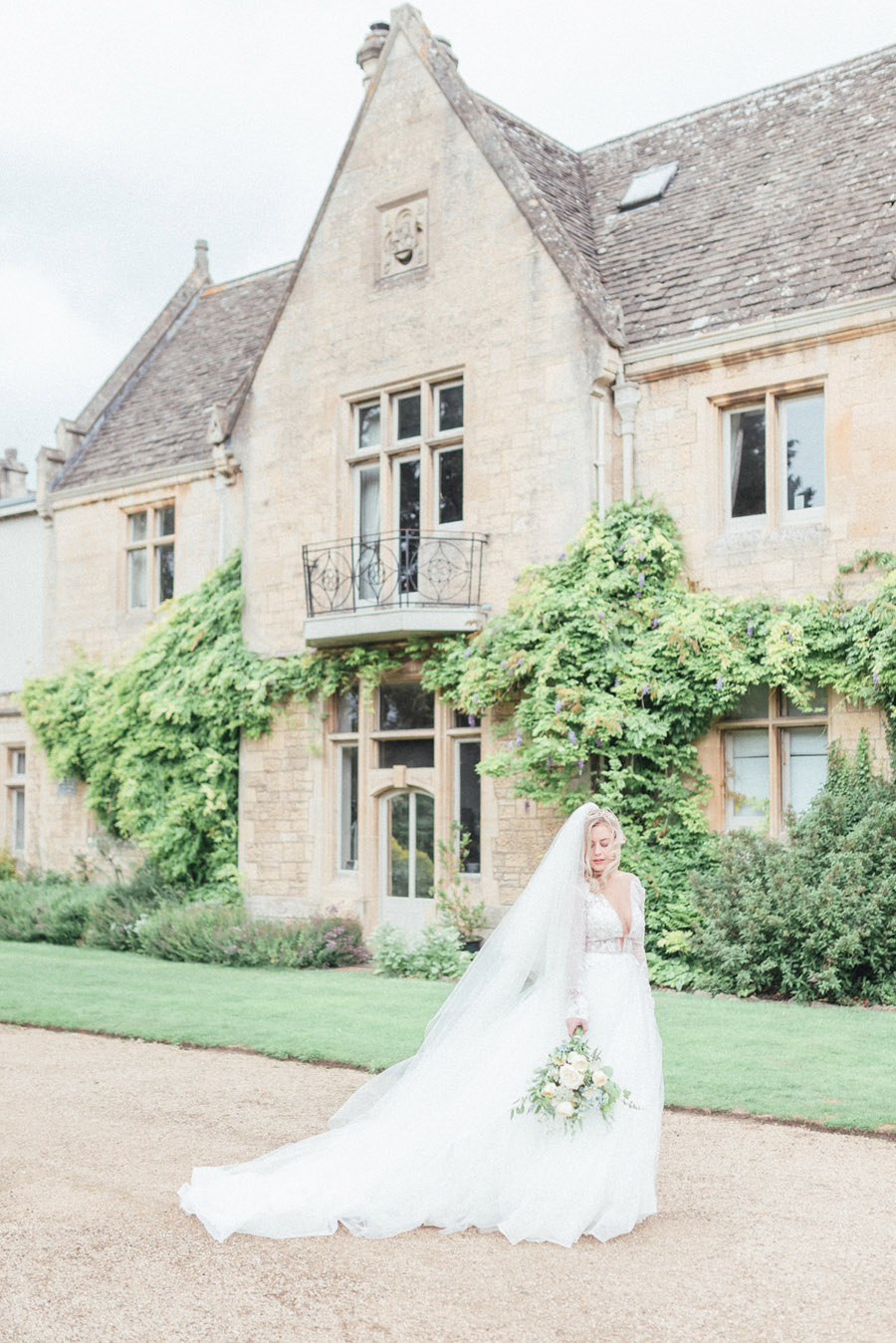 French Manor Styled Wedding Shoot in delicate blues, with Hannah McClune Photography on English Wedding Blog (13)