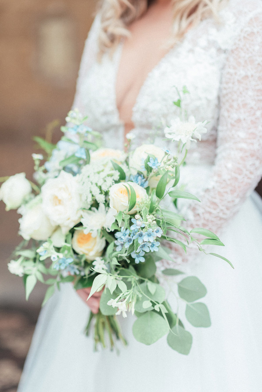 French Manor Styled Wedding Shoot in delicate blues, with Hannah McClune Photography on English Wedding Blog (16)