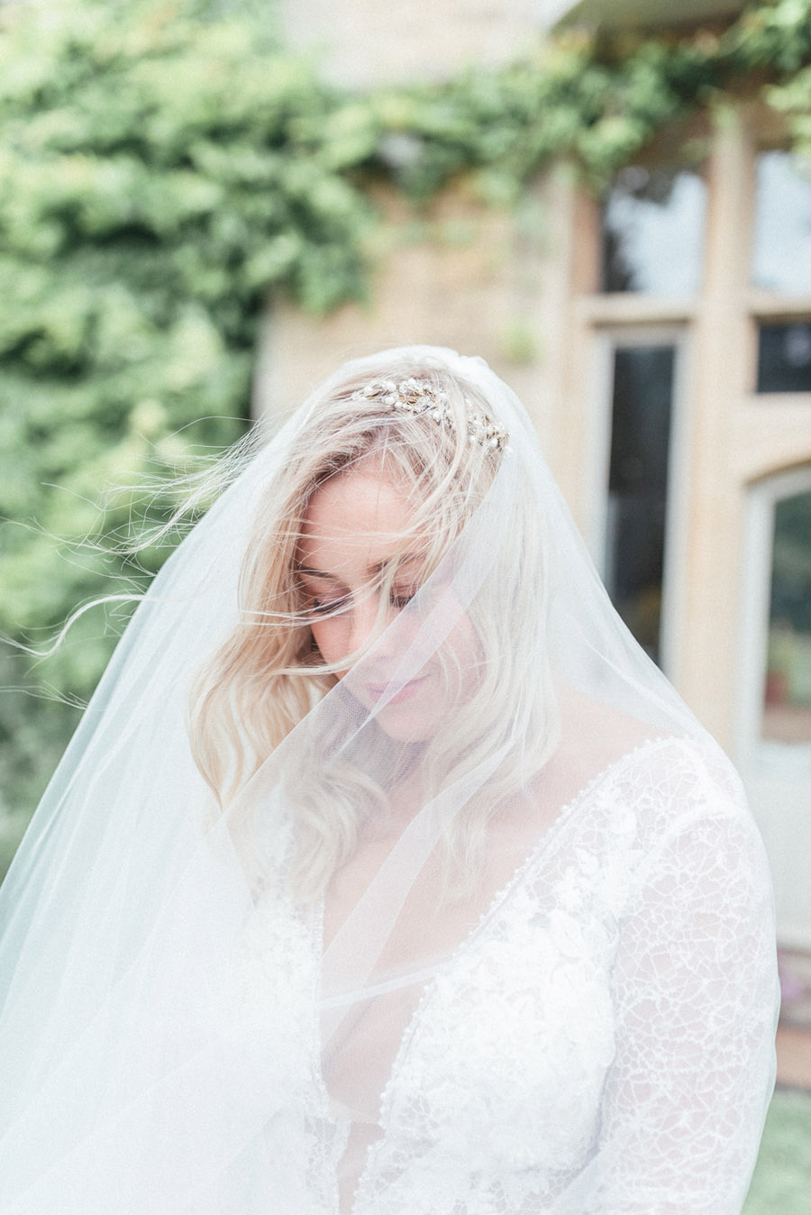 French Manor Styled Wedding Shoot in delicate blues, with Hannah McClune Photography on English Wedding Blog (18)