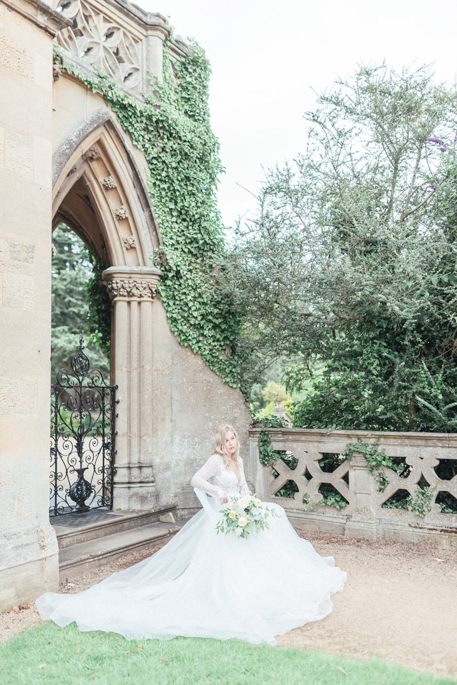 French Manor Styled Wedding Shoot in delicate blues, with Hannah McClune Photography on English Wedding Blog (19)