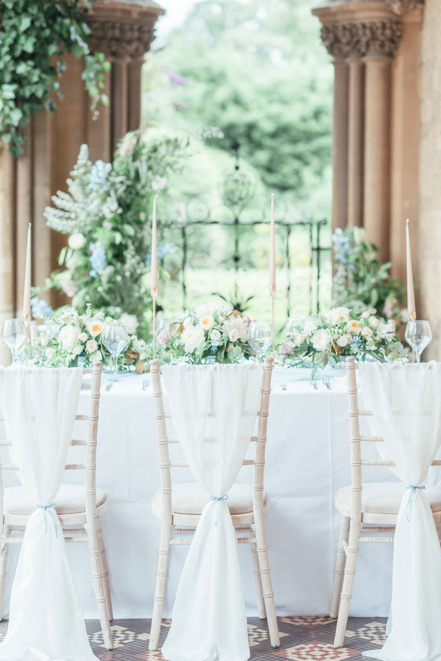 French Manor Styled Wedding Shoot in delicate blues, with Hannah McClune Photography on English Wedding Blog (5)