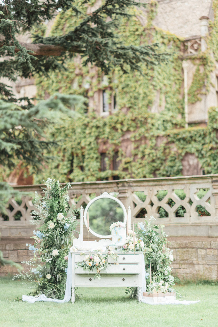 French Manor Styled Wedding Shoot in delicate blues, with Hannah McClune Photography on English Wedding Blog (47)