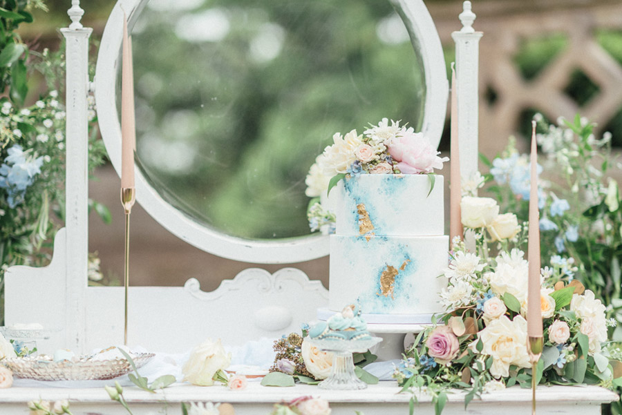 French Manor Styled Wedding Shoot in delicate blues, with Hannah McClune Photography on English Wedding Blog (49)