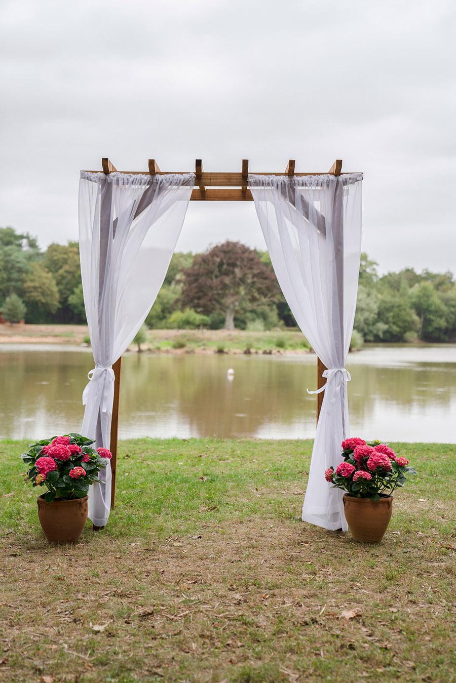 David and Samantha's creative and beautiful Sopley Lake wedding, with Katie Winter Photography (3)