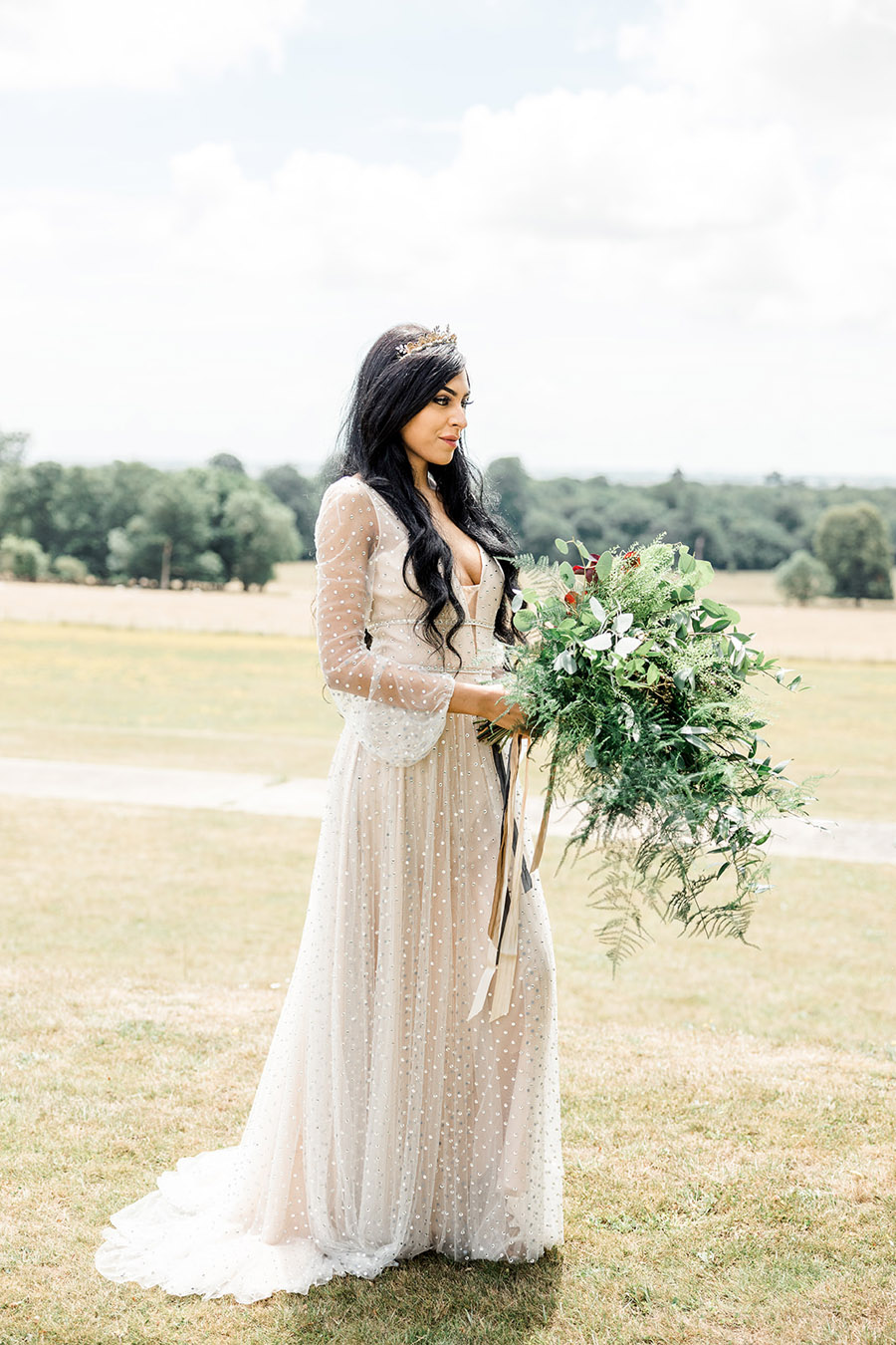 Modern Boho wedding style inspiration from Slindon House, photographer credit Kelsie Scully Photography (17)
