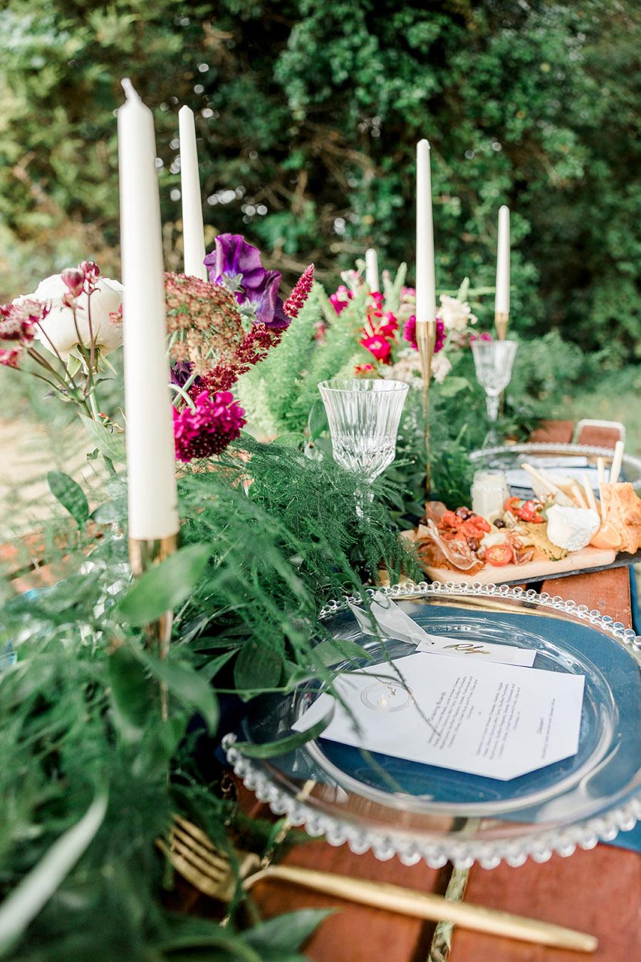 Modern Boho wedding style inspiration from Slindon House, photographer credit Kelsie Scully Photography (23)