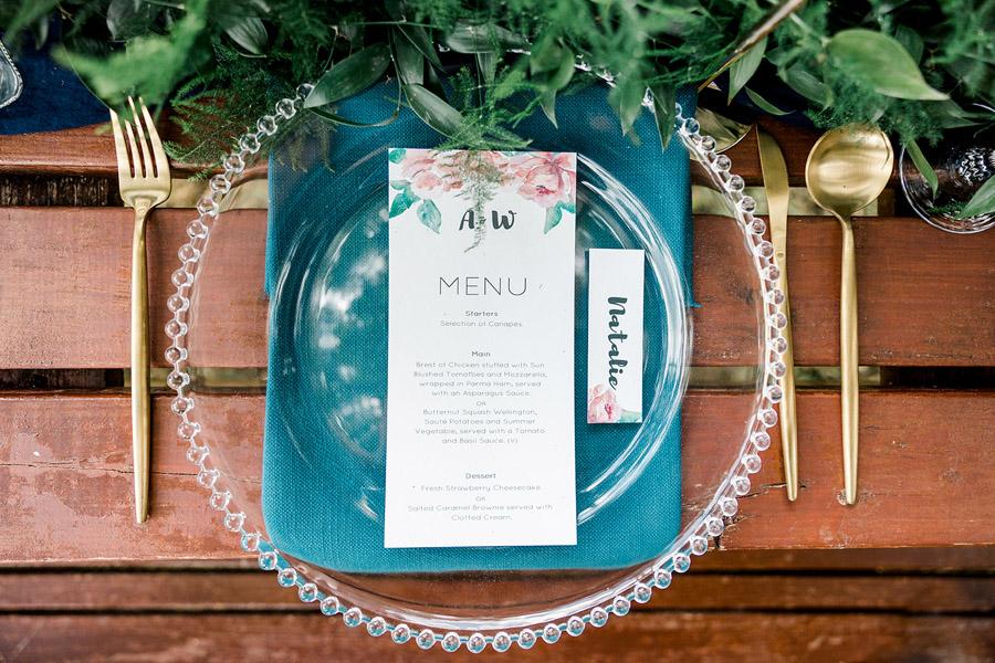 Modern Boho wedding style inspiration from Slindon House, photographer credit Kelsie Scully Photography (24)