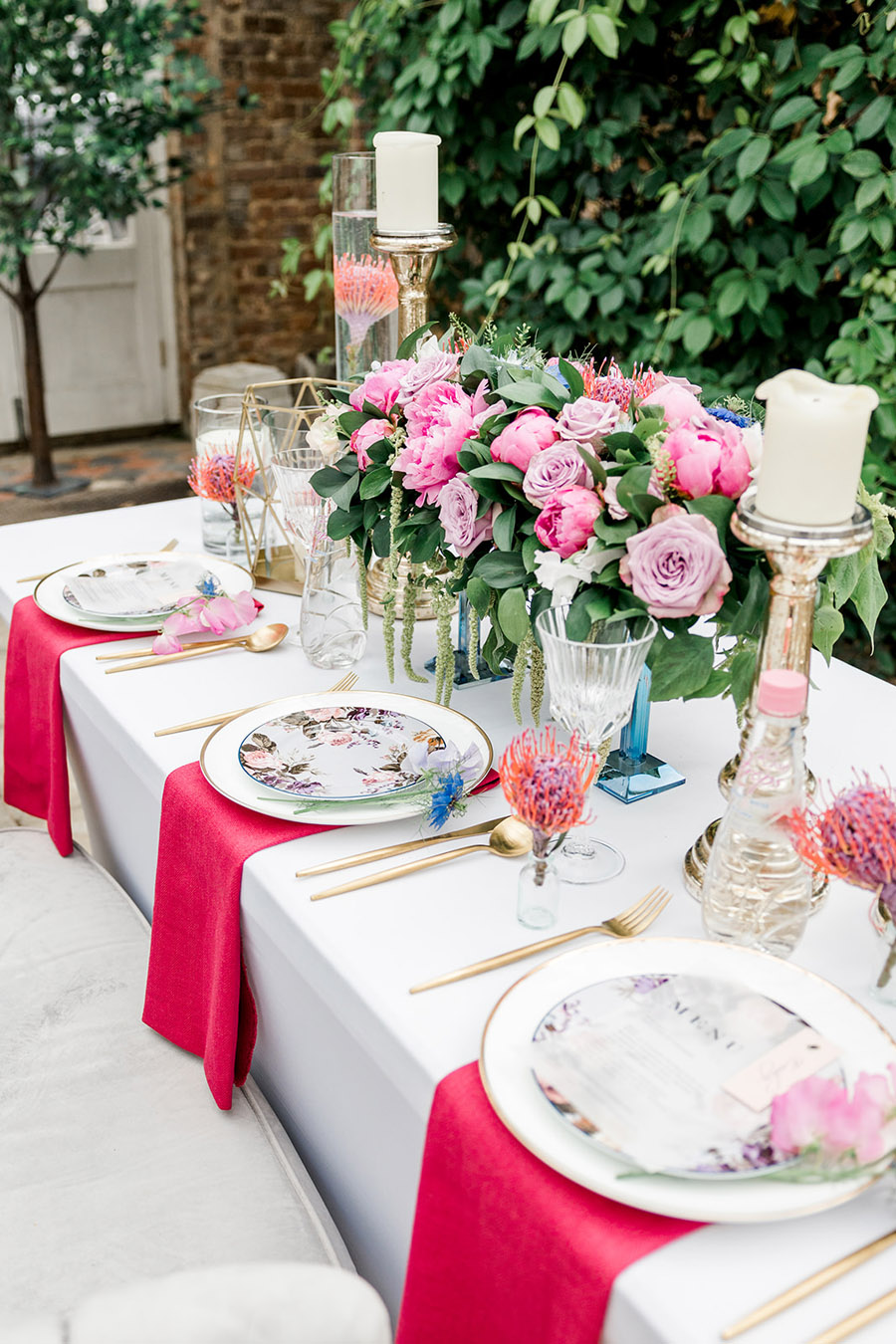 Modern intimate wedding styling inspiration from Slindon House, image credit Kelsie Scully (12)