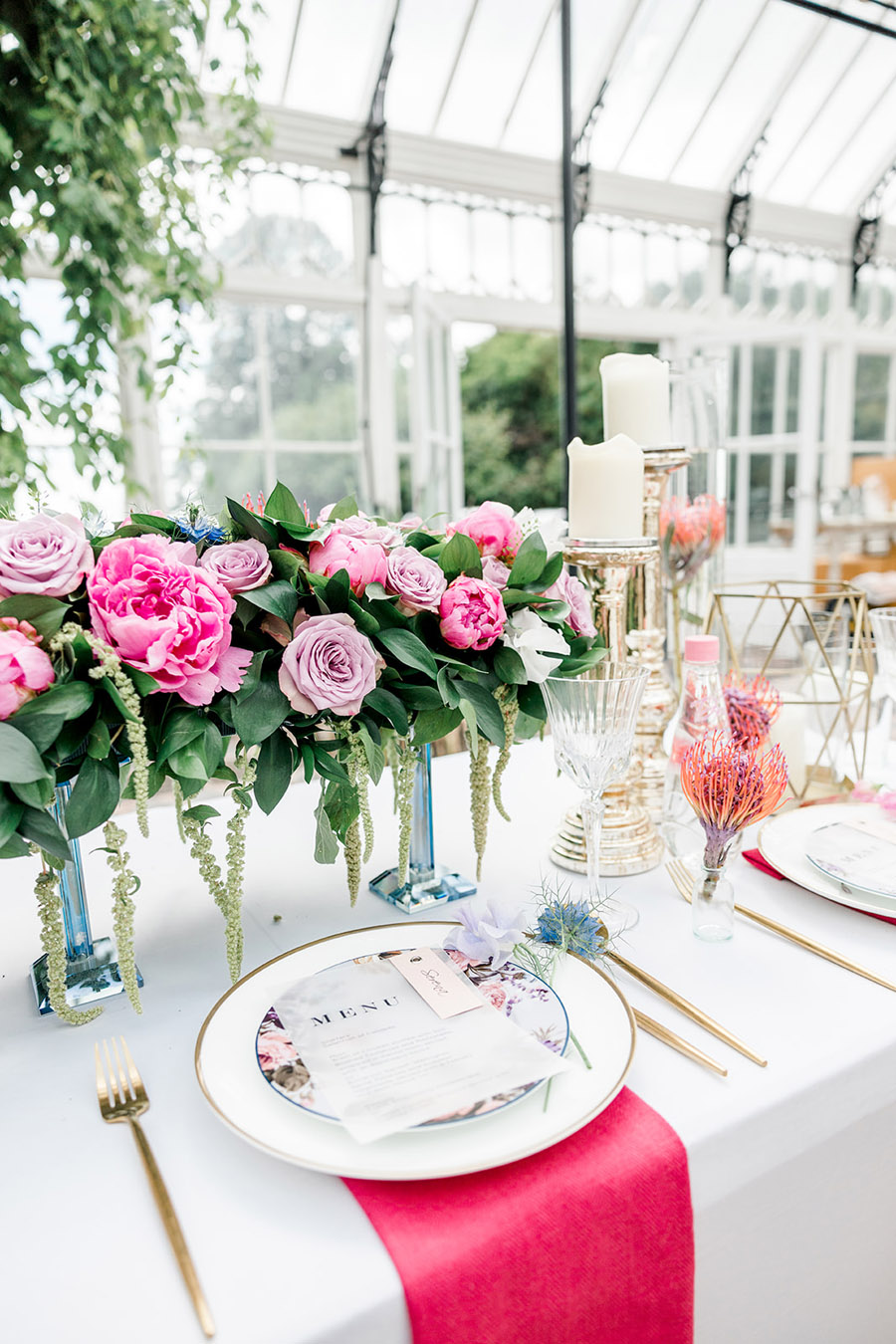 Modern intimate wedding styling inspiration from Slindon House, image credit Kelsie Scully (15)