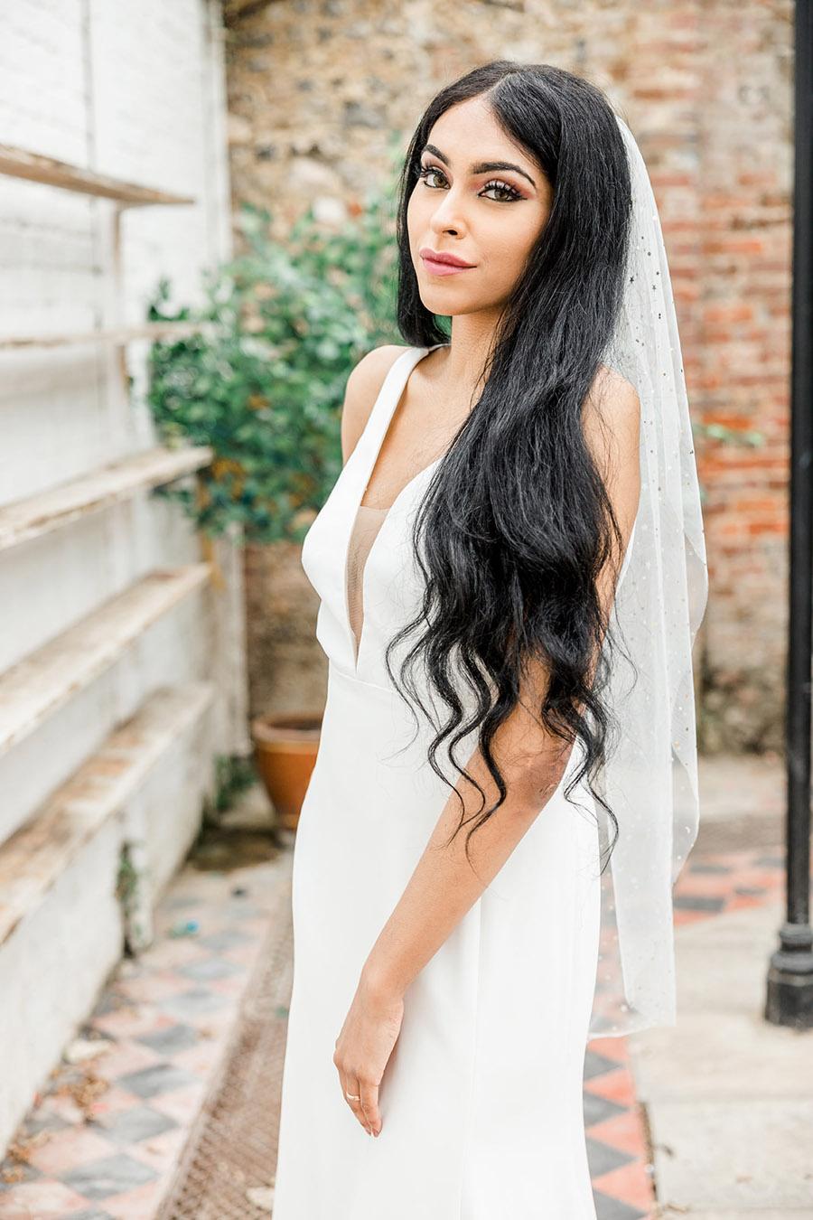 Modern Boho wedding style inspiration from Slindon House, photographer credit Kelsie Scully Photography (34)