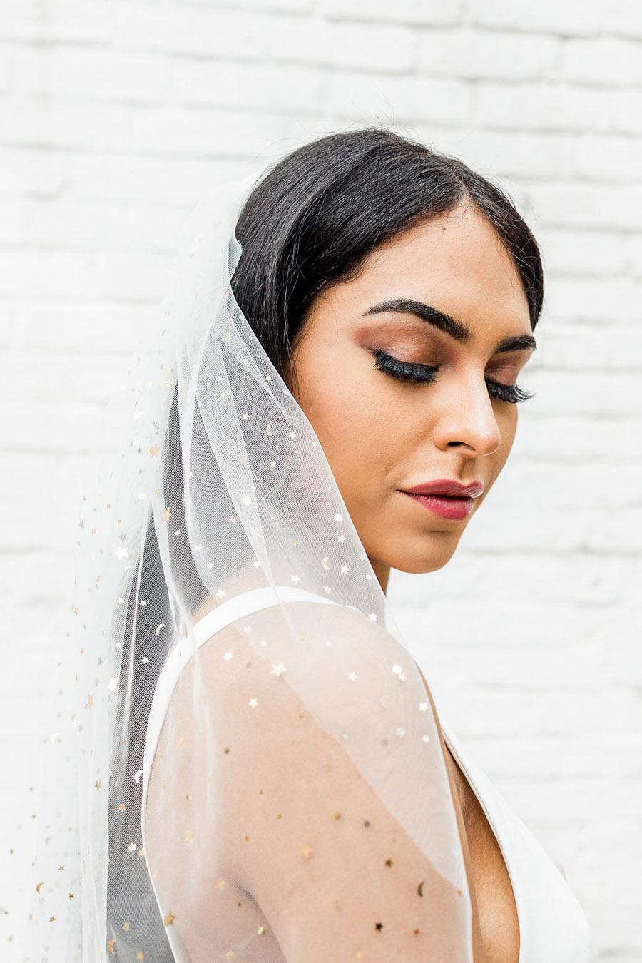 Modern Boho wedding style inspiration from Slindon House, photographer credit Kelsie Scully Photography (35)