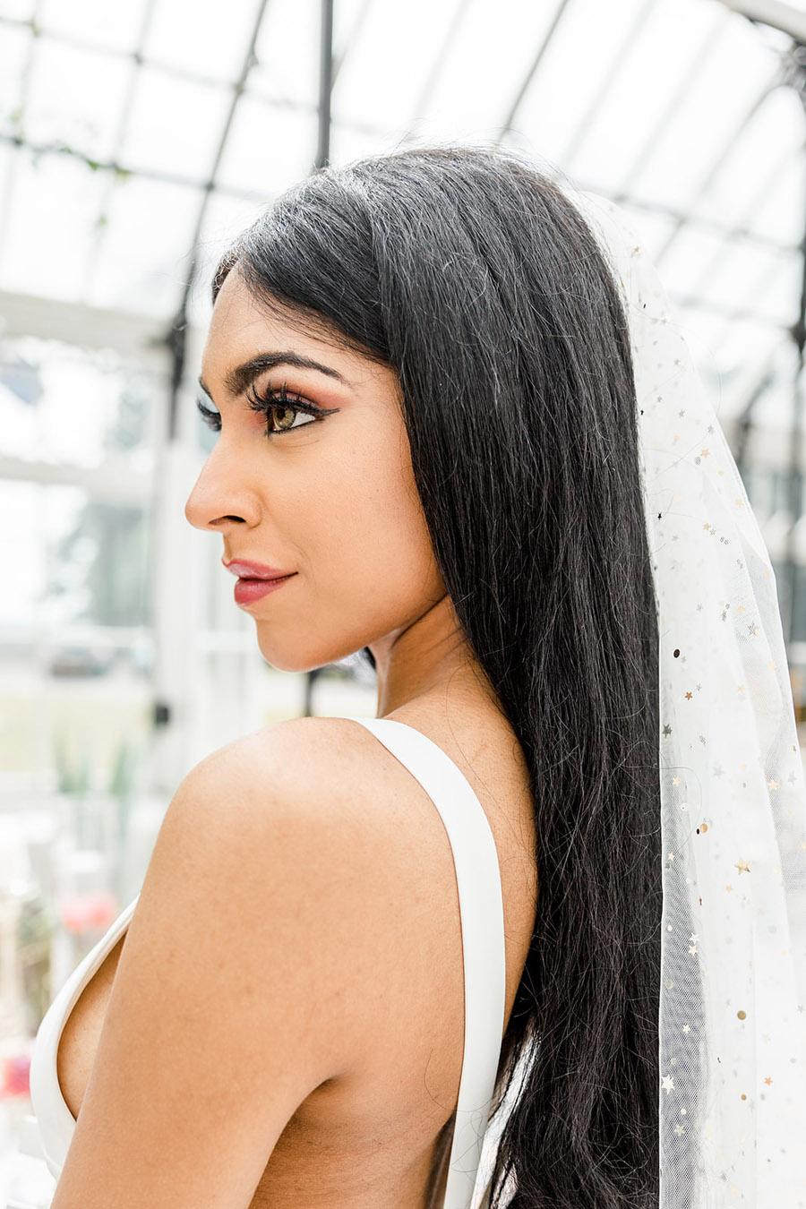 Modern Boho wedding style inspiration from Slindon House, photographer credit Kelsie Scully Photography (36)
