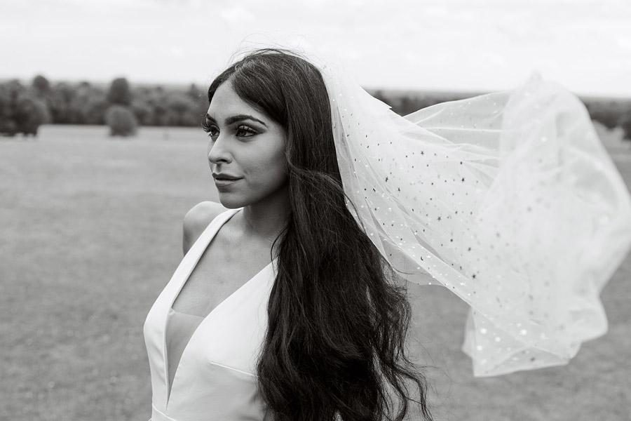 Modern Boho wedding style inspiration from Slindon House, photographer credit Kelsie Scully Photography (38)