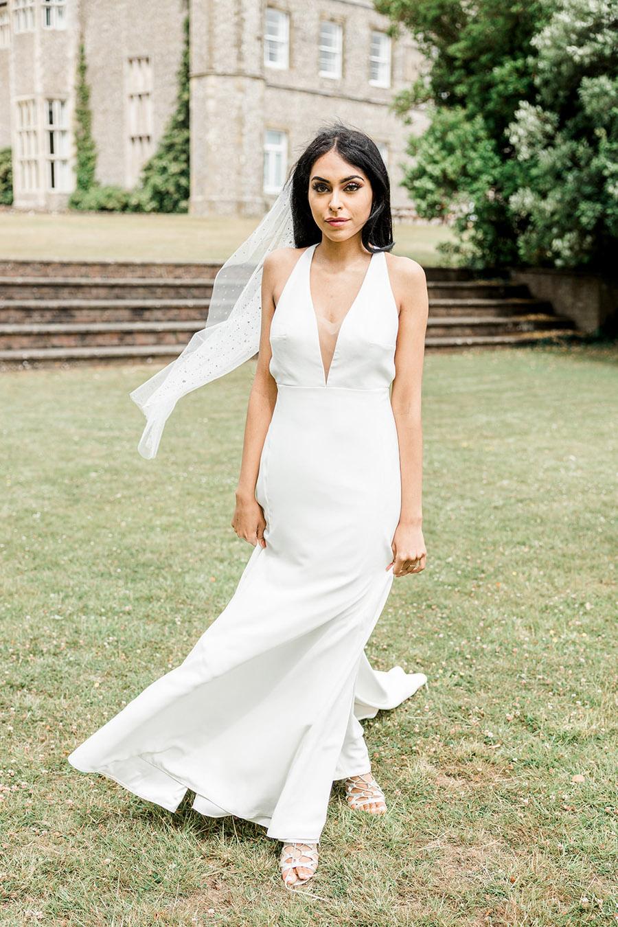 Modern Boho wedding style inspiration from Slindon House, photographer credit Kelsie Scully Photography (39)