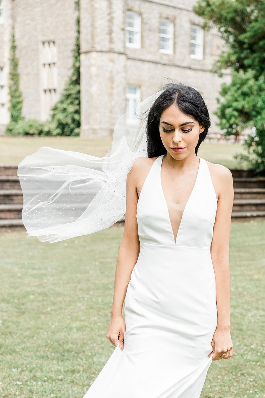 Modern Boho wedding style inspiration from Slindon House, photographer credit Kelsie Scully Photography (40)