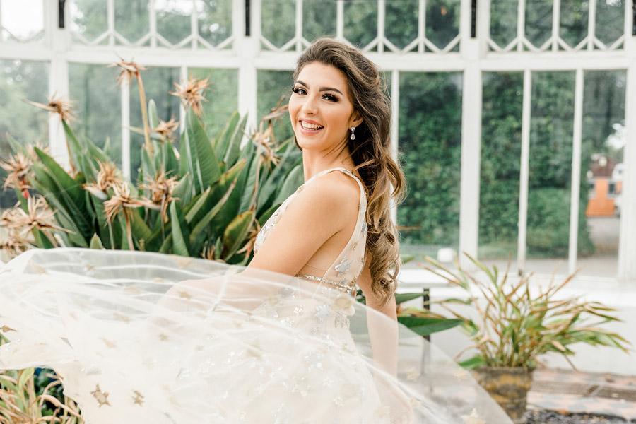 Modern Boho wedding style inspiration from Slindon House, photographer credit Kelsie Scully Photography (42)