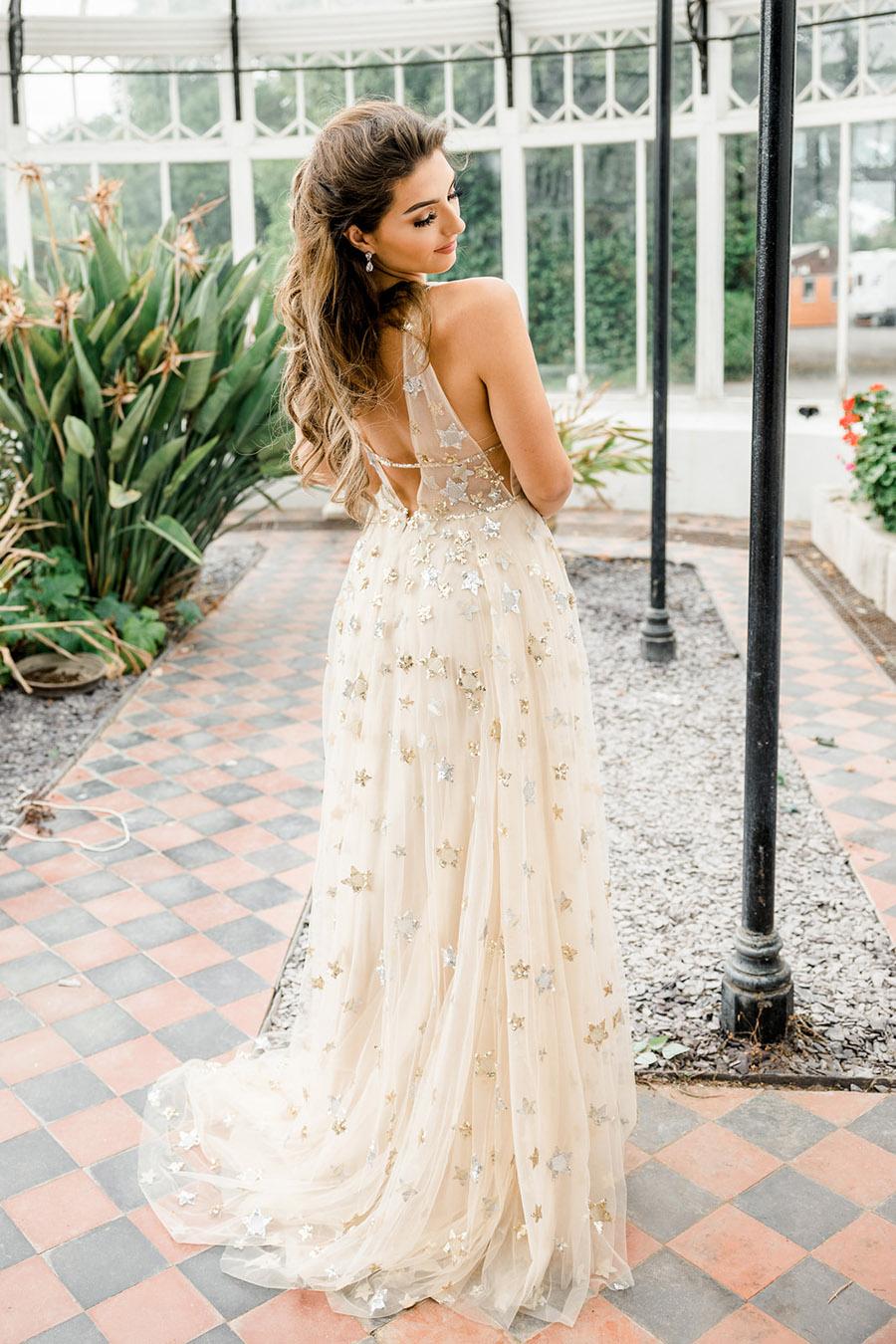 Modern Boho wedding style inspiration from Slindon House, photographer credit Kelsie Scully Photography (45)