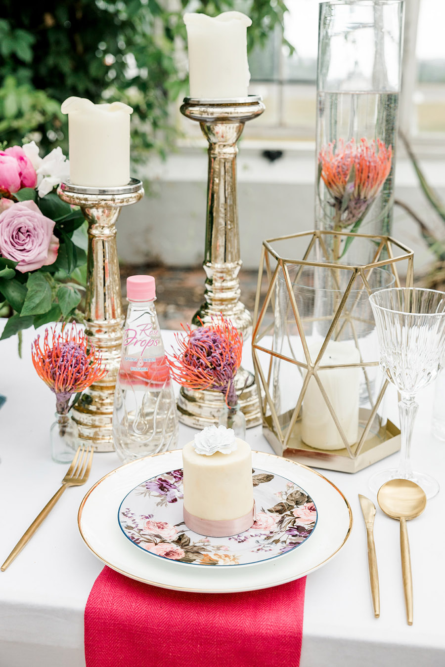 Modern intimate wedding styling inspiration from Slindon House, image credit Kelsie Scully (25)