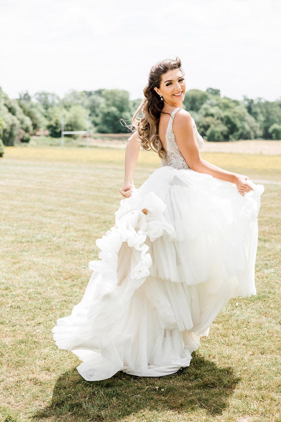 Modern Boho wedding style inspiration from Slindon House, photographer credit Kelsie Scully Photography (15)